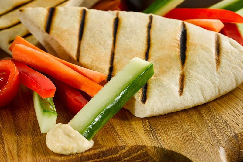 Pitta and crudites